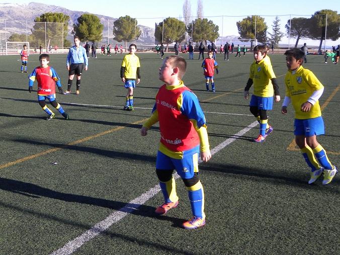En primer plano Daniel López, que se ha estrenado como goleador en la mañana de hoy.