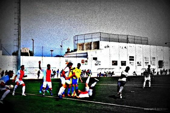 Faye-marca-el-segundo-gol-del-CD-564x376