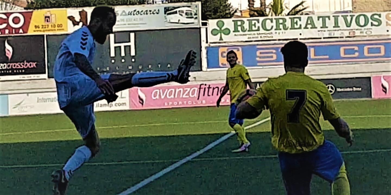 Trabajado empate del Adherido Regional en Xátiva y victoria contundente del de Fútbol Sala